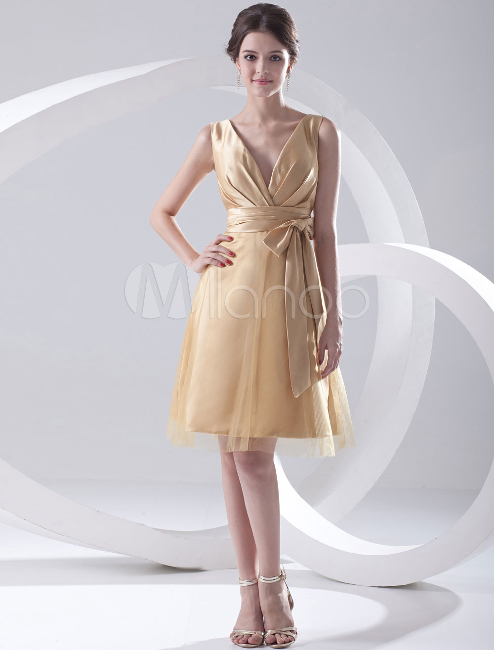 Champagne Net Bow V-Neck Knee-Length Wedding Bridesmaid Dress