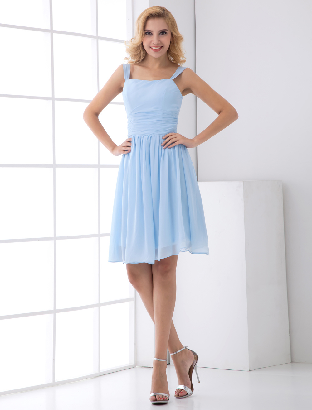 A-line Light Sky Blue Chiffon Short Wedding Bridesmaid Dress