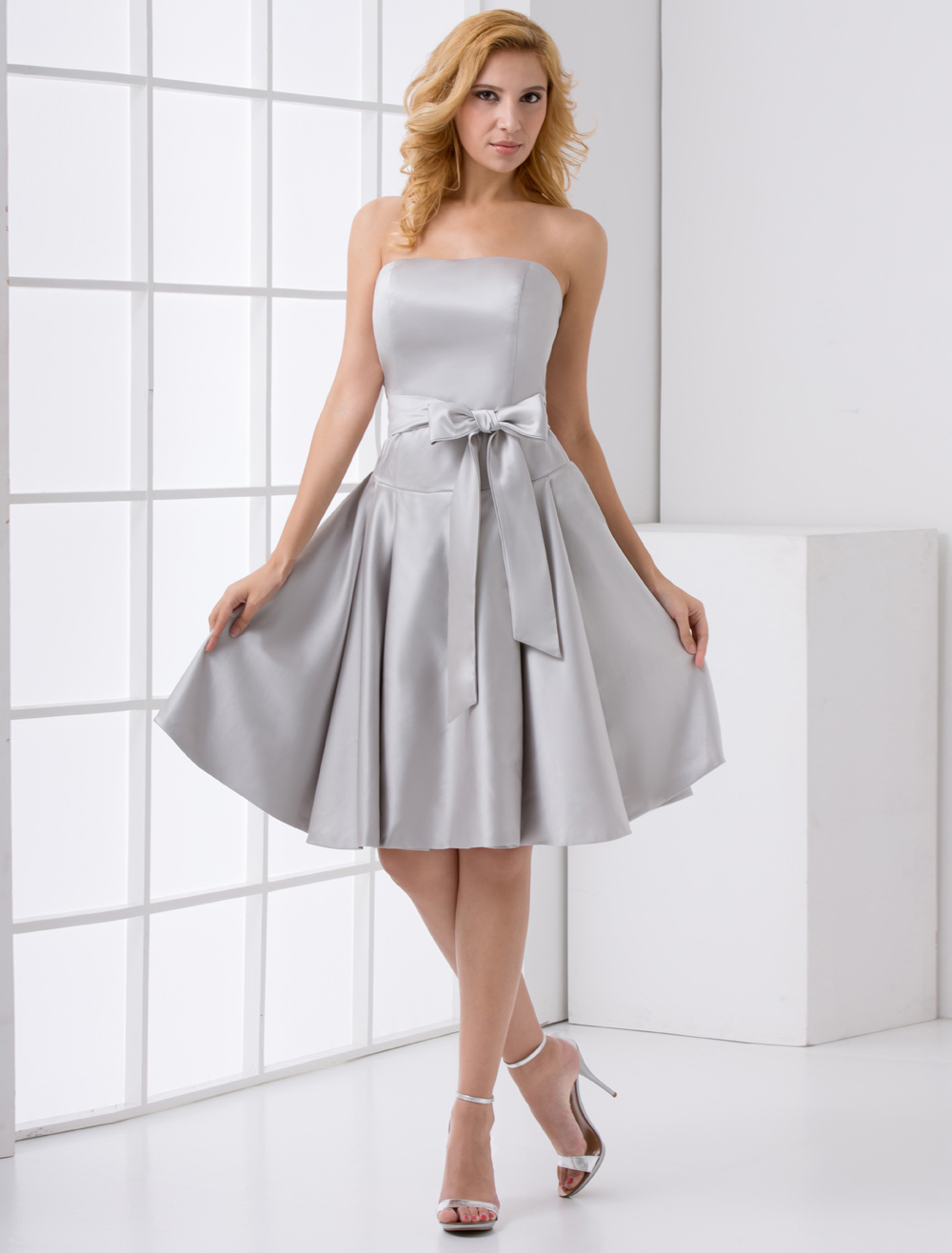 A-line Silver Satin Bow Knee-Length Bridesmaid Dress For Wedding