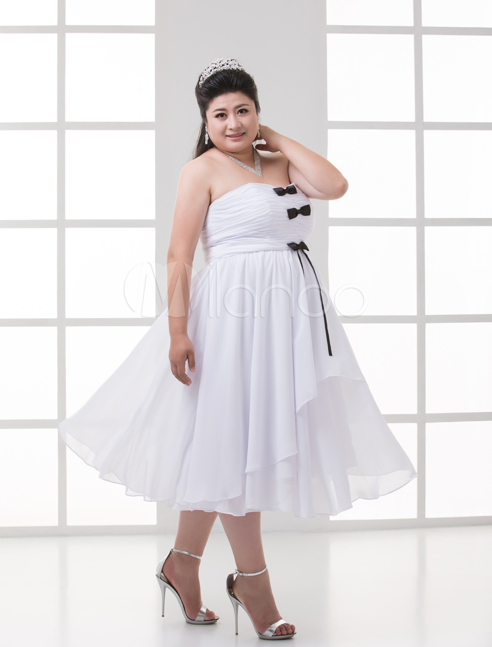 Empire Waist White Chiffon Bow Sweetheart Women's Plus Size Prom Dress