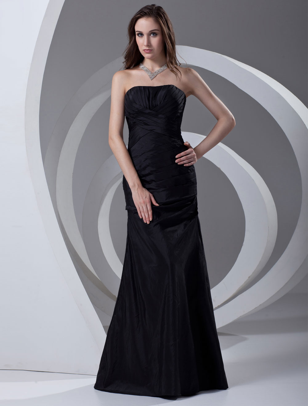 Sheath Black Taffeta Ruched Strapless Fashion Bridesmaid Dress