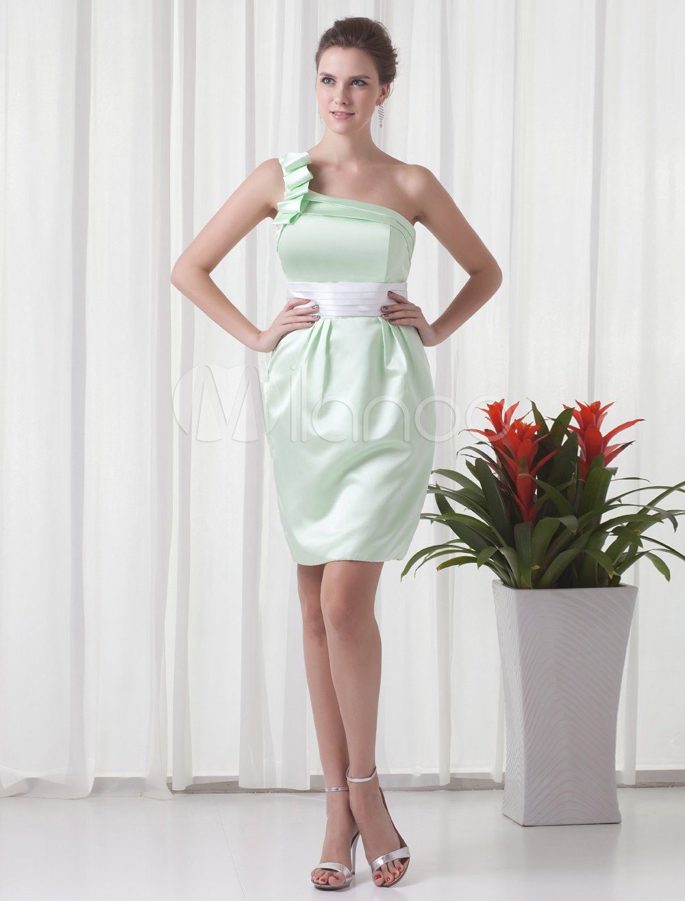 Sheath Green Satin One-Shoulder Short Bridesmaid Dress