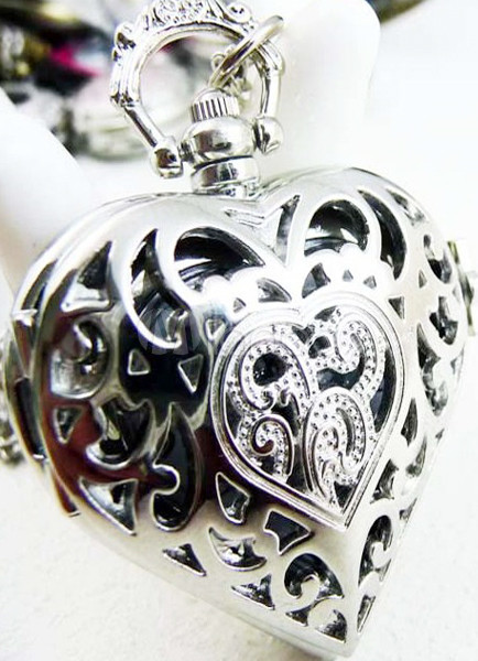Retro Silver Heart Design Cut Out Alloy Pocket Watch