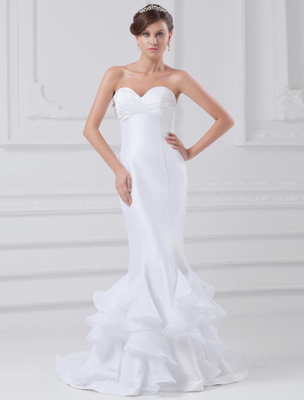 White Mermaid Sweetheart Neck Satin Bride's Wedding Dress photo