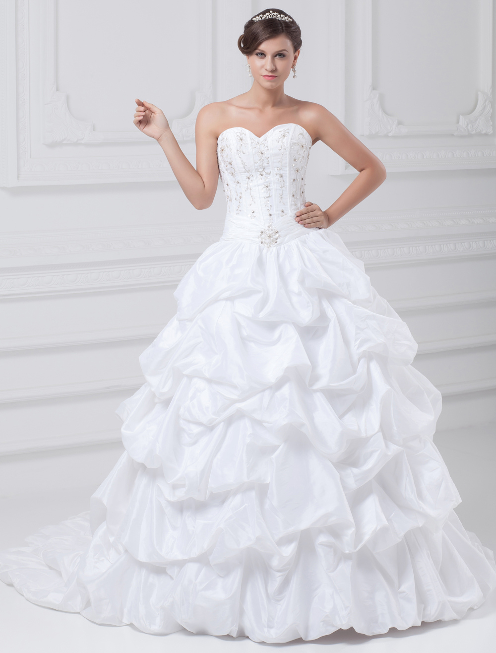 White Ball Gown Embroidered Taffeta Wedding Dress For Bride photo