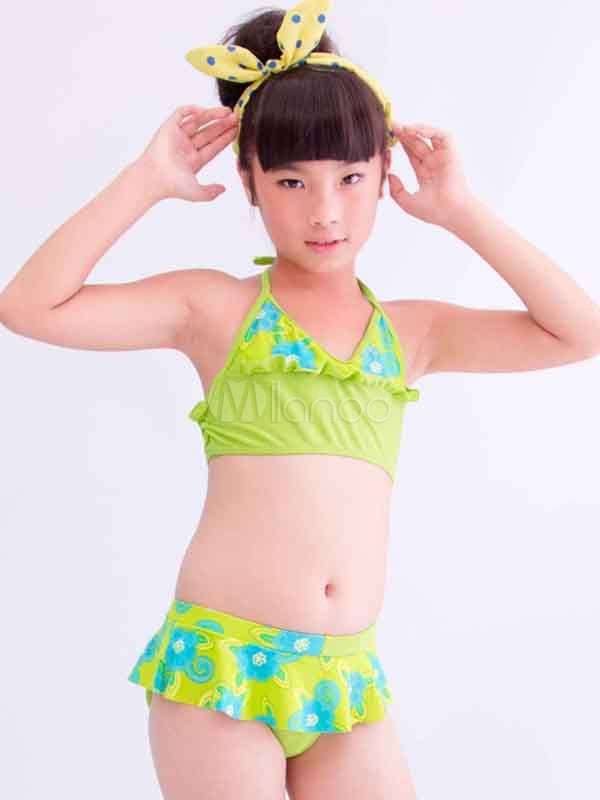 Japonesas bailando en bikini - 2 part 7