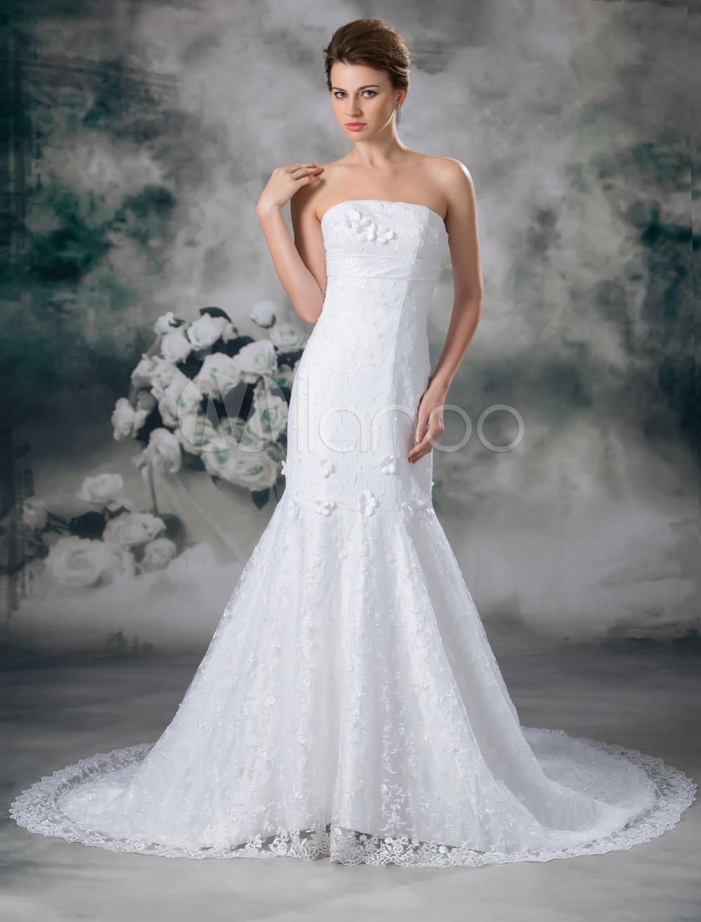 Robe de mariée princesse blanche en dentelle bustier à traîne ...