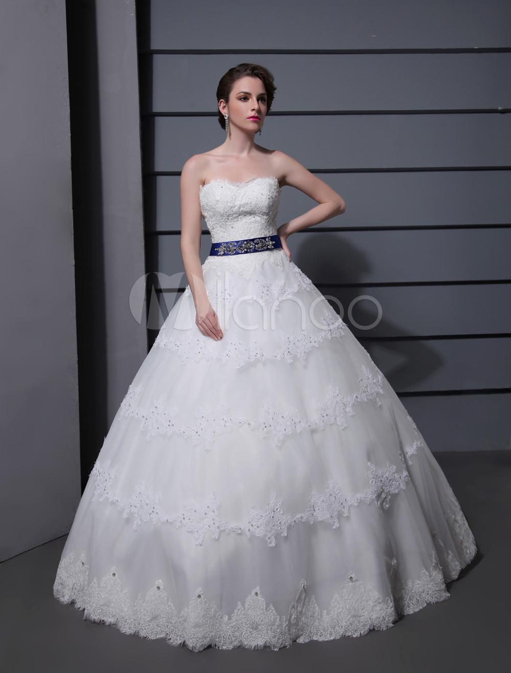 Abito da sposa con collo a cuore da ballo di pizzo bianco for Cappuccio da cabina da ballo