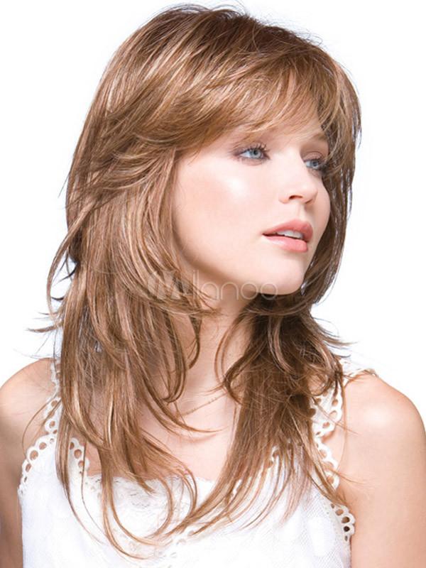 Прическа каскад на средние волосы с челкой для
