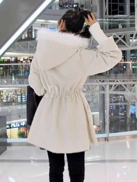 Manteau chic blanc pour femme