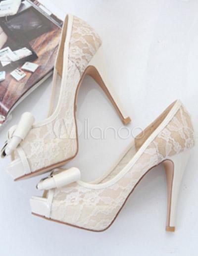 scarpe di pizzo bianche