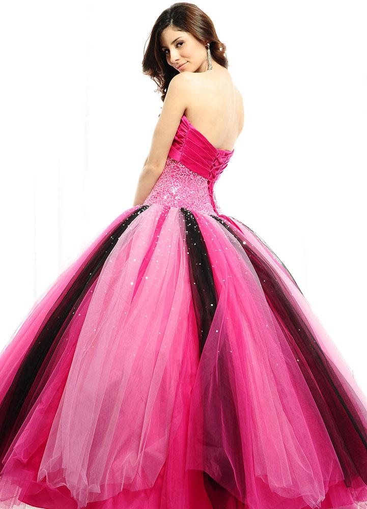 Vestido para quinceañeras de tul de color fucsia con