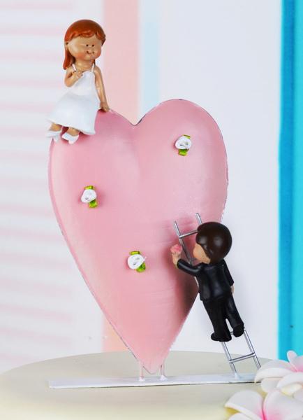 Classic Sweetheart Figurine Couple Wedding Cake Toppers