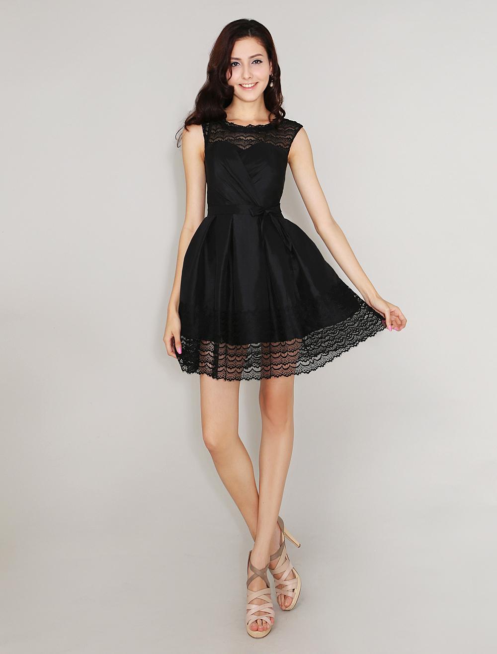 pour choisir une robe robe noire pour jeune fille. Black Bedroom Furniture Sets. Home Design Ideas