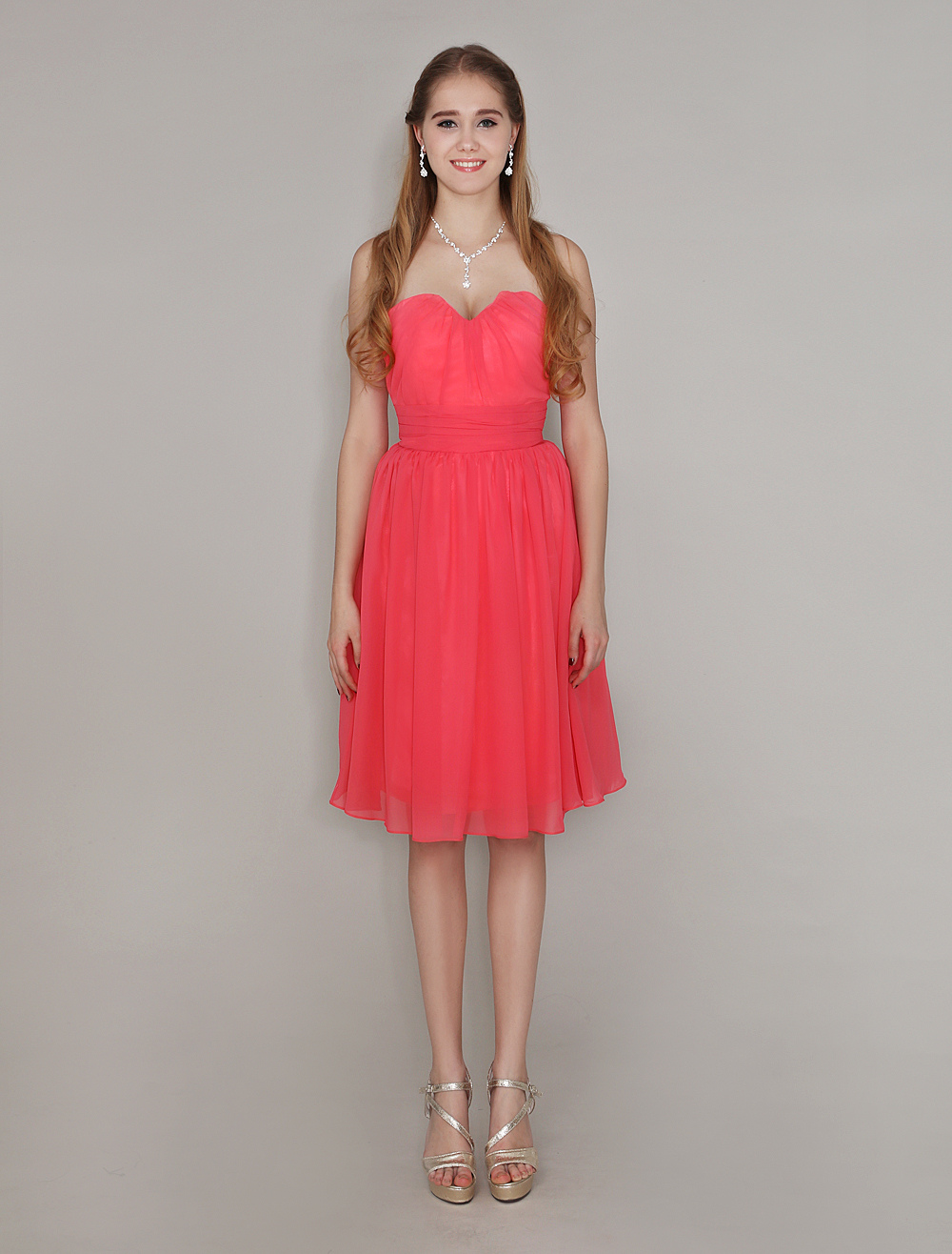 Sweetheart Neck Knee-Length Bridesmaid Dress With Pleated Chiffon Wedding Guest Dress