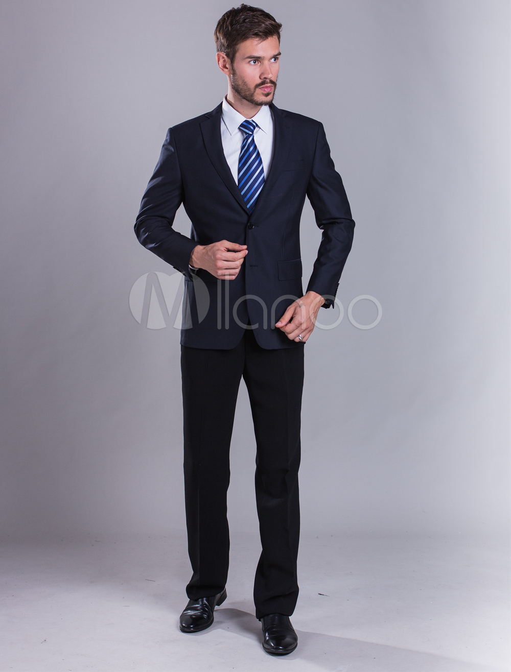 costume homme bleu marine fonc fente arri re. Black Bedroom Furniture Sets. Home Design Ideas