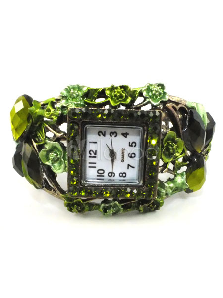 Vintage Square Shape Bracelet Watch (Random Color)
