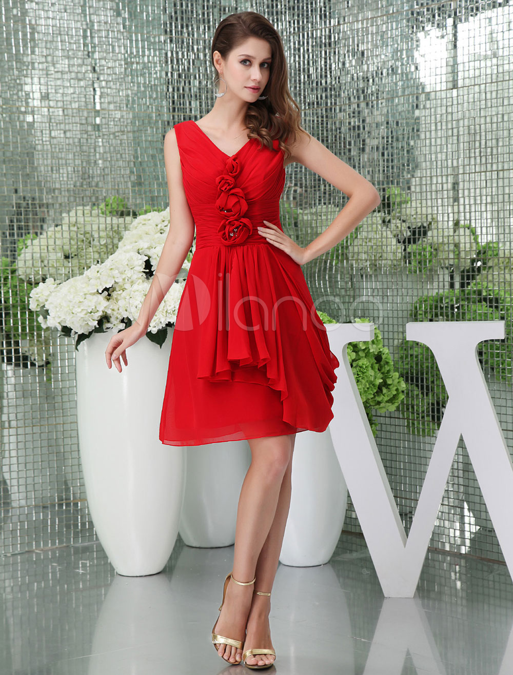 Chiffon Homecoming Dress Pleats Beading Plunging Cocktail Dress A-Line Short Prom Dress Milanoo