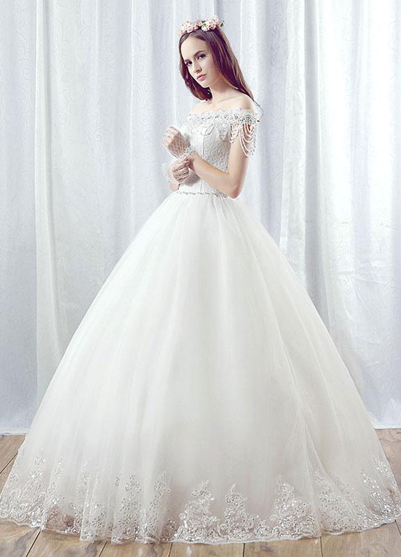 robe de mari e princesse blanche en dentelle maxi l paule dos nu perles cha nes hi rarchis. Black Bedroom Furniture Sets. Home Design Ideas