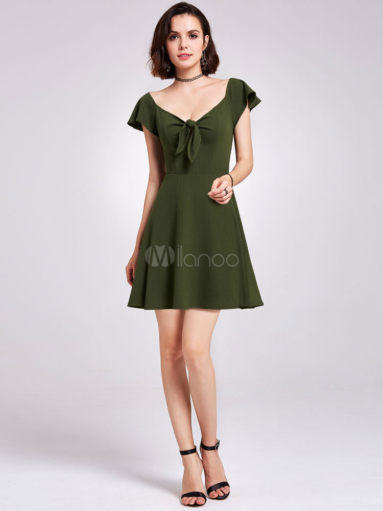 Short Homecoming Dresses Hunter Green Graduation Dress Knotted Mini Cocktail Party Dress (Wedding) photo