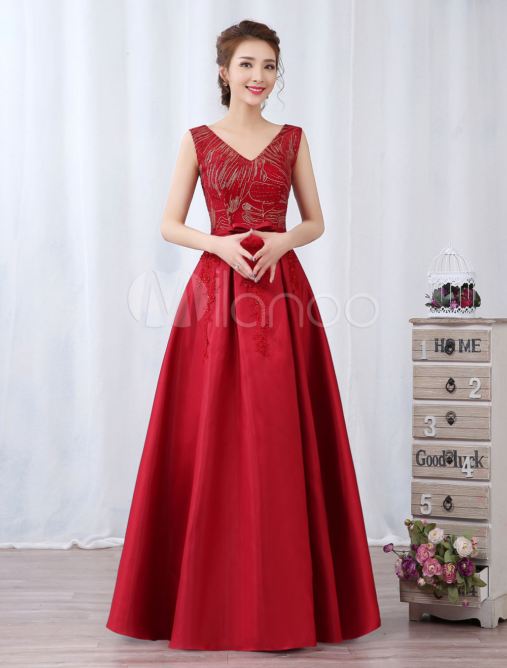Red Evening Dress Satin V Neck Prom Dress Beaded Bow Sash Sleeveless Formal Gown (Wedding Cheap Party Dress) photo