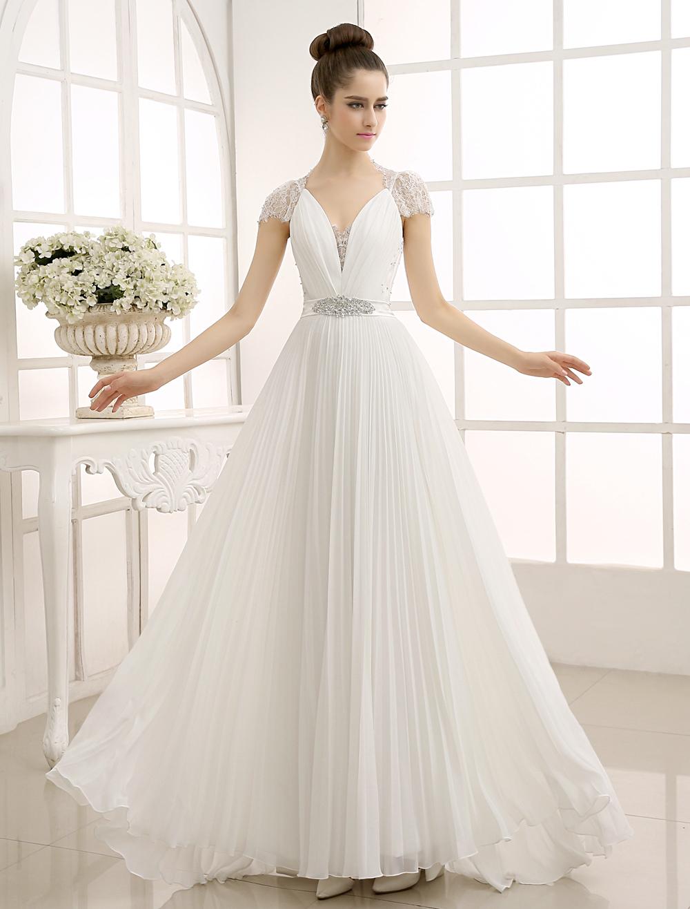 Etui-Brautkleid mit V-Ausschnitt - Etui-Stil - flanevo