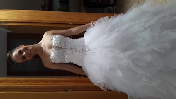 Wedding Dresses Ball Gown Sweetheart: Ivory Ball Gown Sweetheart Neck Strapless Tiered Chapel