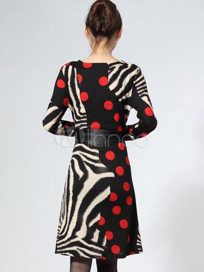 Цветочные V-образным вырезом с длинными рукавами трикотажное платье.