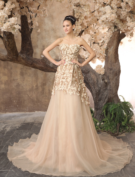 Milanoo coupon: Hot 2014 Champagne Organza Sweetheart Train Wedding Dress