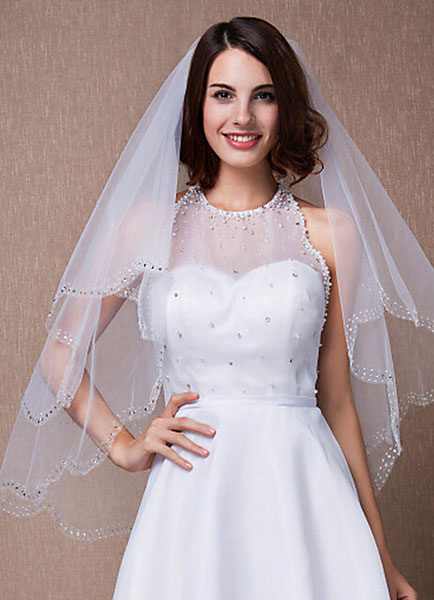 Two-Tiered Veils Scalloped Edge Oval Sequined Fingertip Wedding Veil With Comb(90*75cm)