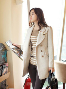 White Turndown Collar Long Sleeves Logos Gabardine Casual Coat For Woman