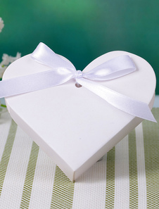 White Heart Shape Pearl Paper Wedding Favor Boxes Set of 12